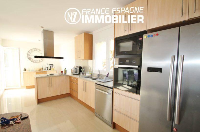 n1immobilier: cuisine américaine avec des rangements | villa ref.3203