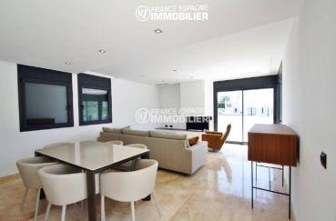 costa brava house: villa ref.3269, salon / salle à manger avec des rangements
