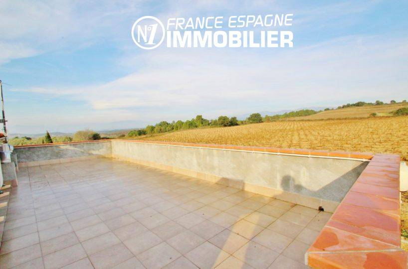 immobilier roses espagne: villa ref.2772, aperçu du solarium + vue sur l' exploitation