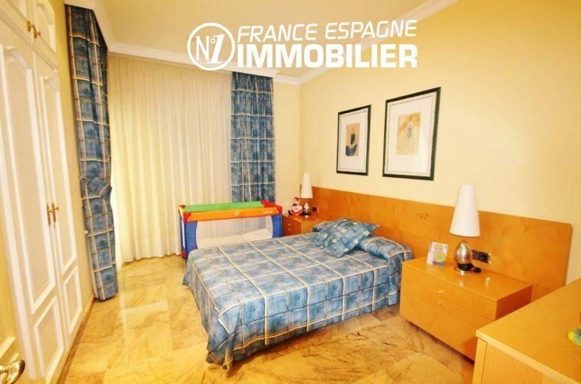 maison a vendre espagne catalogne, ref.1636, chambre 4, lit double + lit bébé et de nombreux rangements