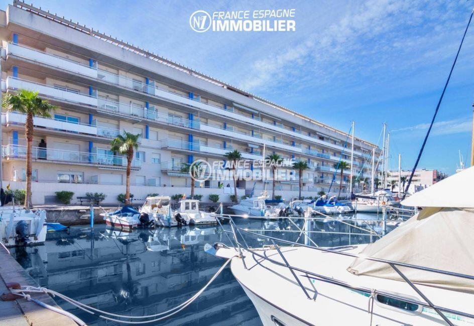 global immo rosas: appartement ref.3301, marina sur le canal à proximité