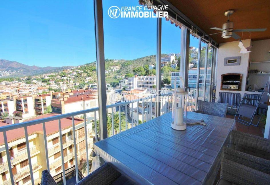 appartement rosas a vendre,  ref.3335, vue terrasse avec le coin BBQ