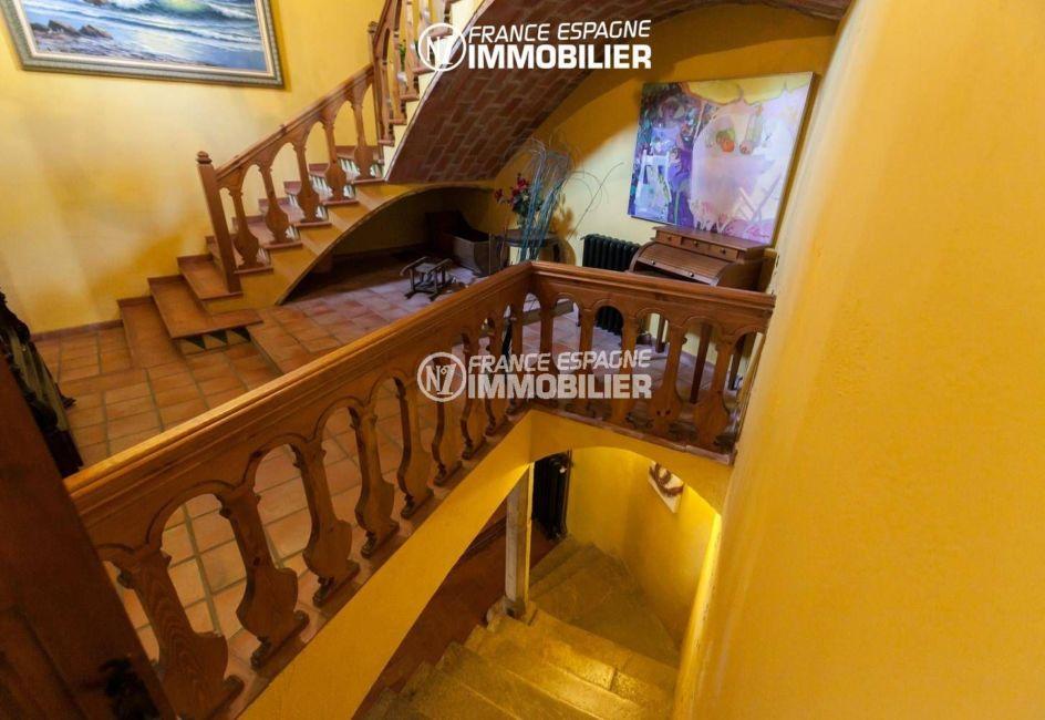 maison a vendre espagne catalogne, ref.3306, escaliers qui desservent les autres pièces