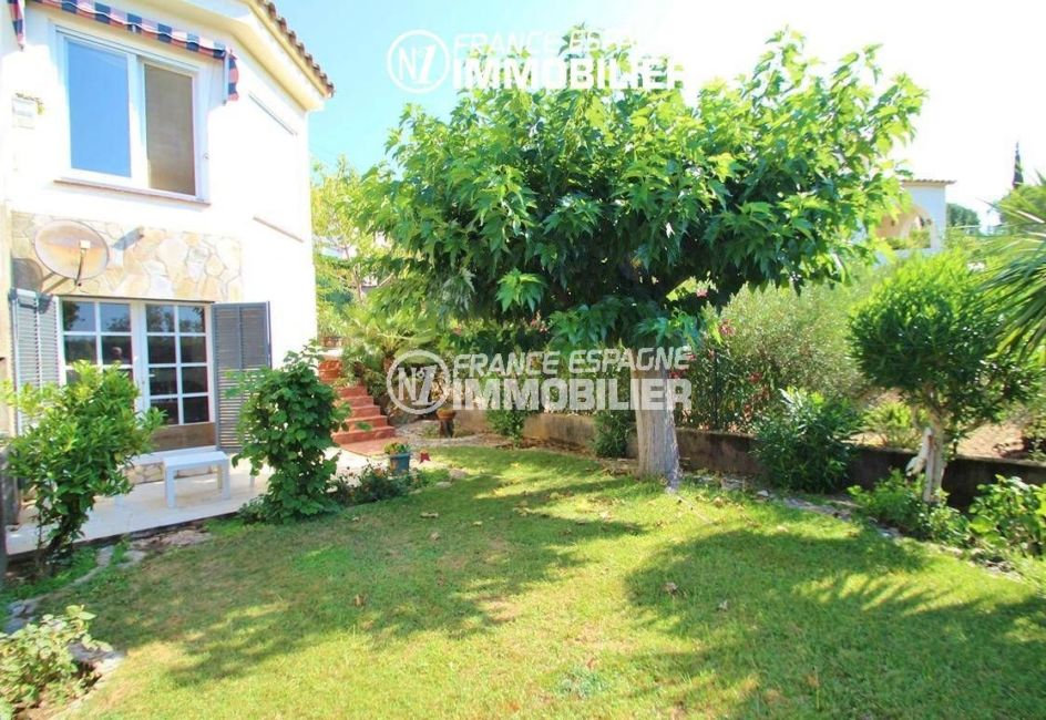 vente immobilier rosas espagne: villa ref.2606, vue sur l'un des côtés de la façade