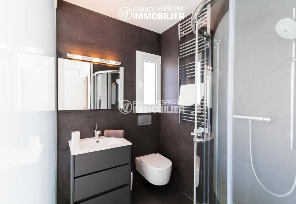 maison a vendre espagne, ref.3305, salle d'eau moderne pour la suite parentale