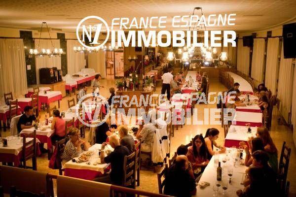 costabrava immo: commerce rentable, 2 restaurants avec salle de réception 250 personnes