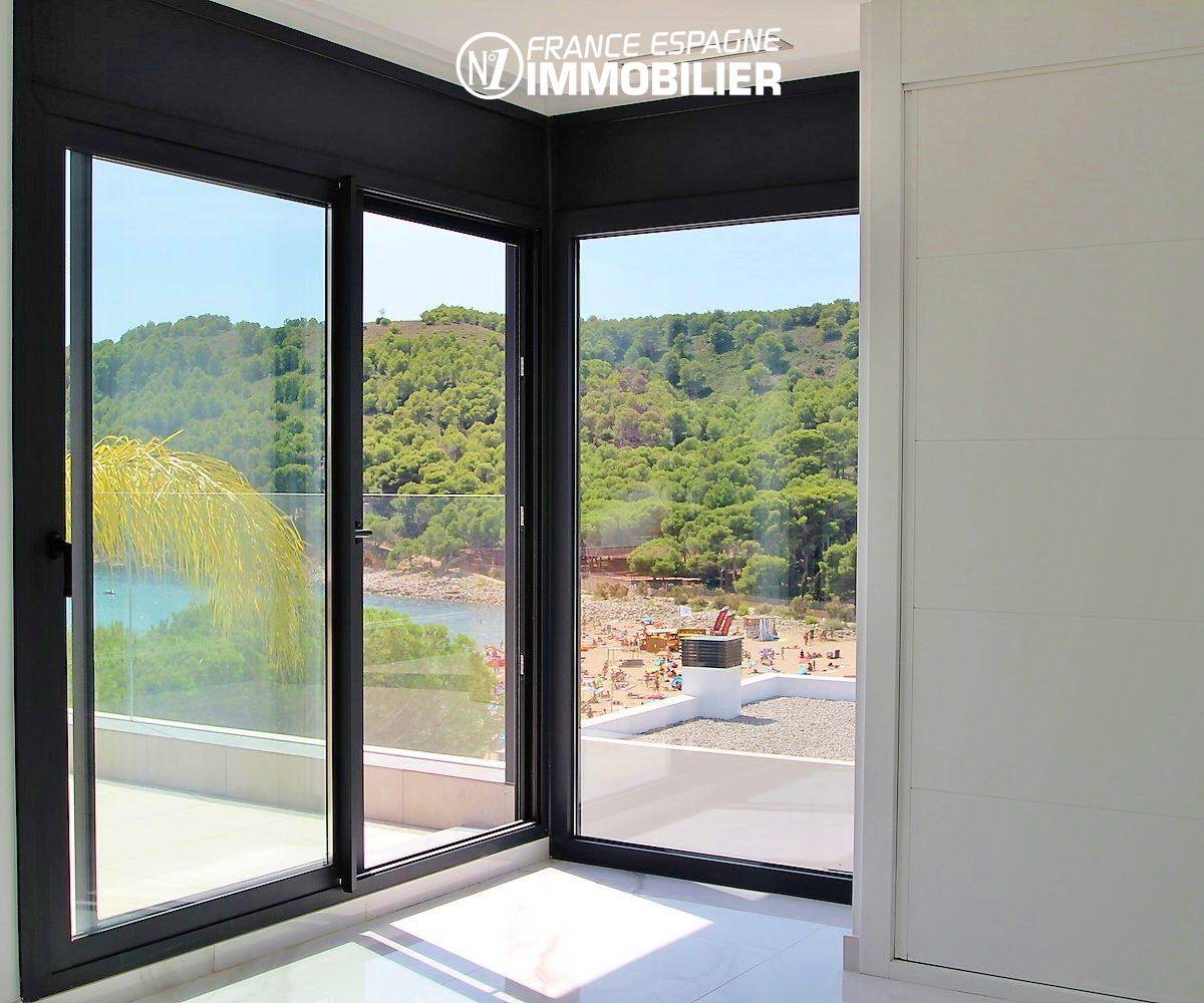 achat maison costa brava bord de mer, ref.3268, chambre avec accès à la terrasse vue mer