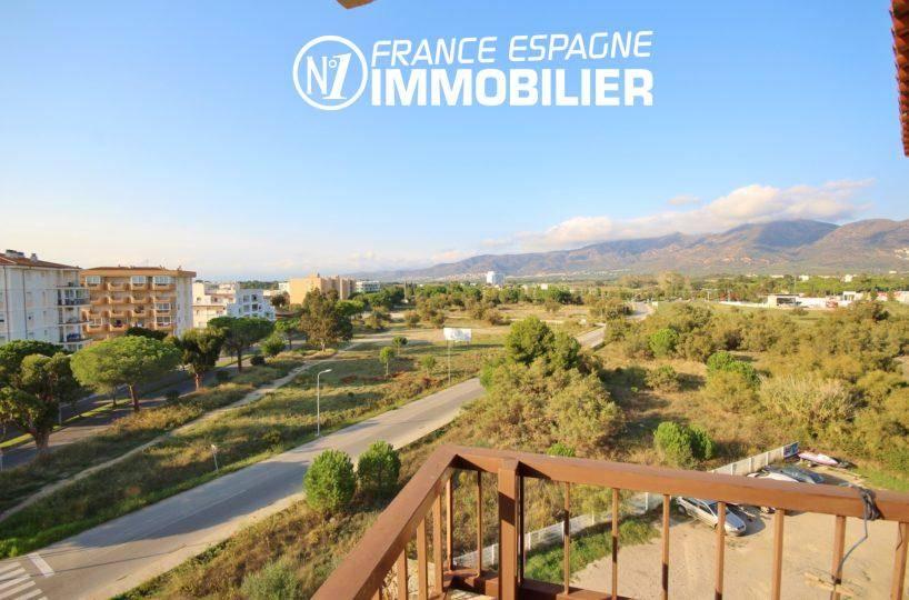 immo roses: appartement ref.3308, vue magnifique sur les montagnes depuis la terrasse