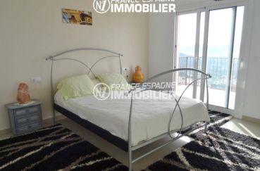 immocenter roses: villa ref.2435, appartement indépendant: chambre avec terrasse