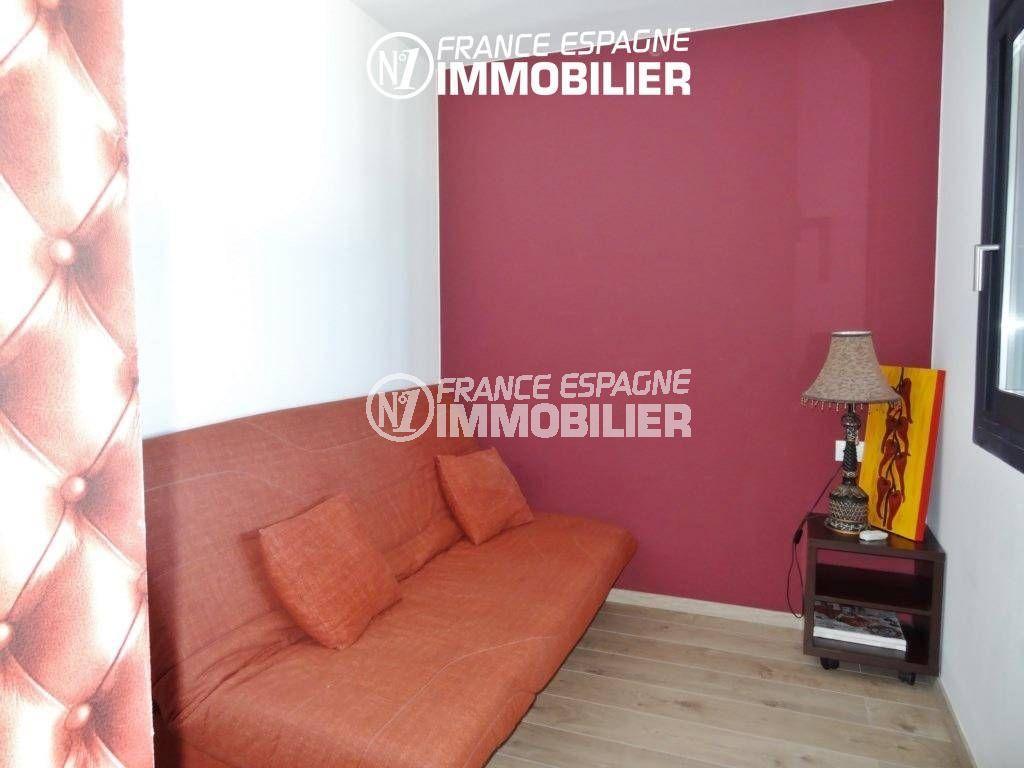 immo center rosas: villa ref.312, aperçu d'une chambre avec canapé convertible