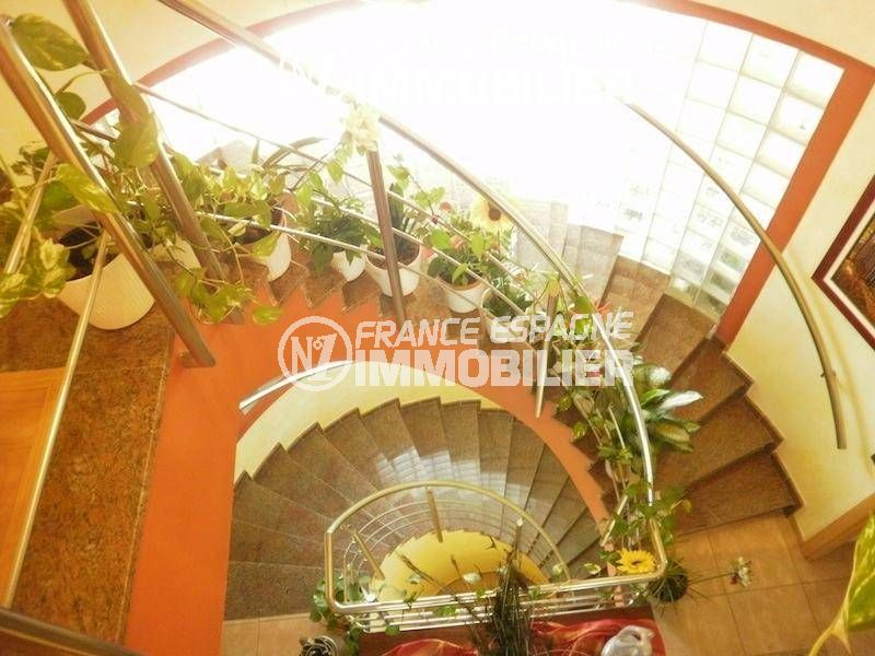 achat immobilier costa brava: ref.1042, escaliers en colimaçon qui desservent 2 étages