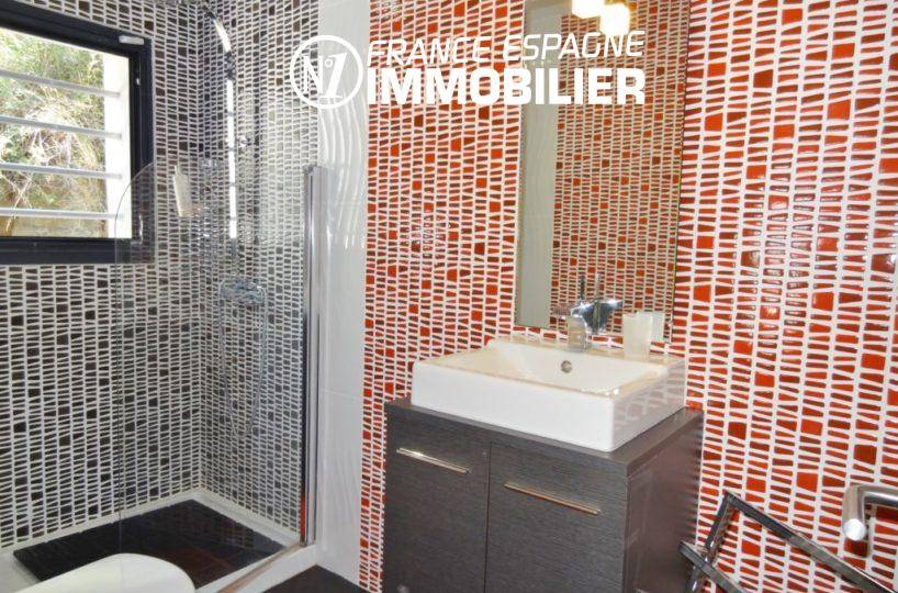 maison a vendre espagne bord de mer, ref.312, salle d'eau avec meuble vasque et wc