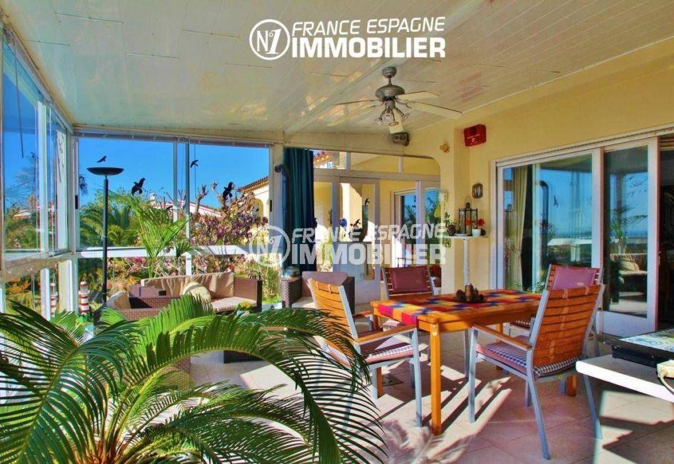 achat immobilier costa brava: villa ref.2606, accès à la véranda depuis le salon
