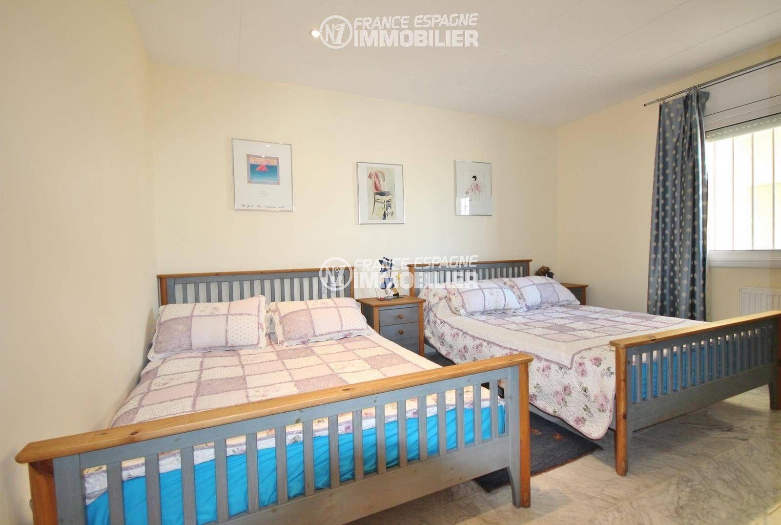 vente maison rosas espagne, ref.3326, chambre 3, avec 2 lits doubles