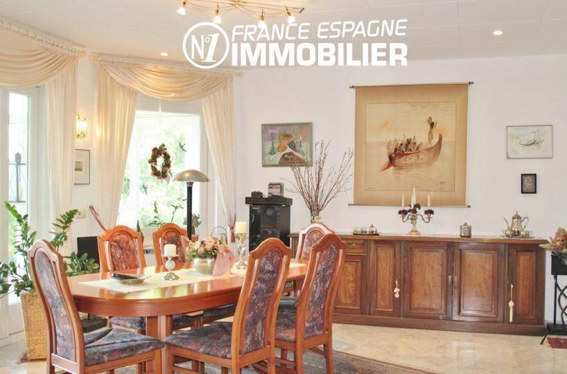 vente maison rosas espagne, ref.2606, salle à manger carrelé avec du rangements