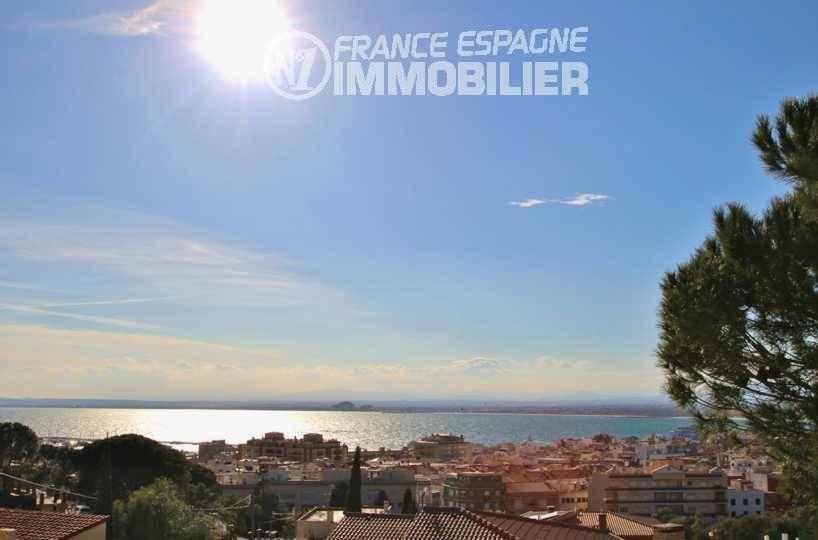 immo roses: villa ref.2827, vue mer, grand garage, véranda avec terrasse, piscine au sel