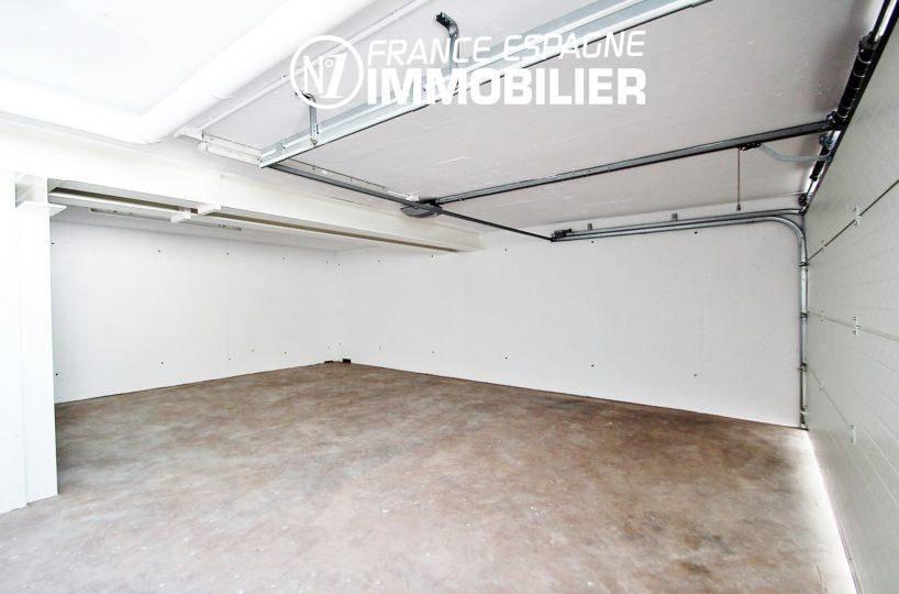 vente villa costa brava, ref.3269, vue sur le garage avec un bel espace