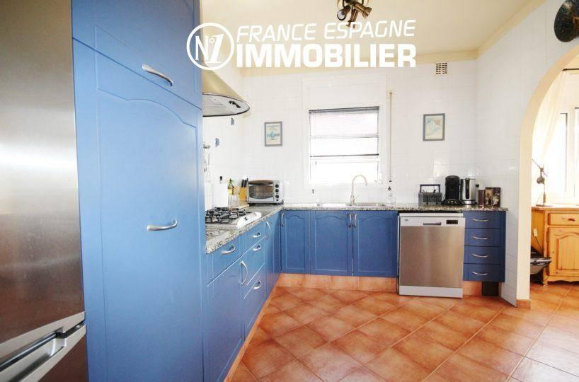 achat villa roses: ref.730 283 m² construit, la cuisine aménagée