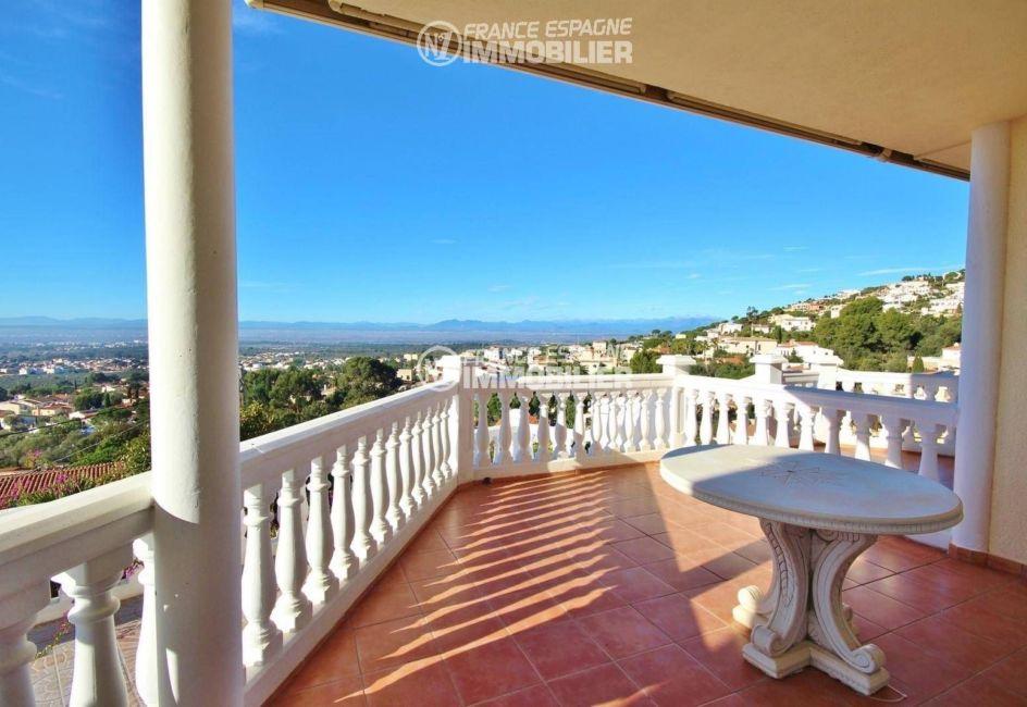 paradise villas roses mas fumats: villa ref.3326, terrasse vue montagne à l'étage