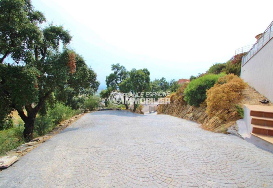 aperçu du chemin qui dessert la maison | ref.3203, n1 france espagne