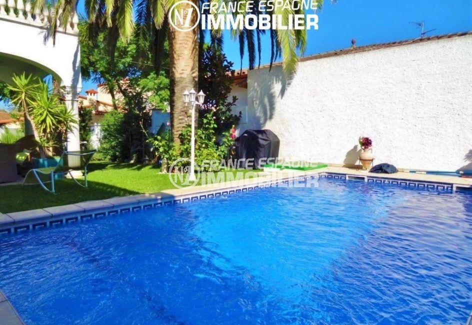 immobilier empuriabrava: villa 200 m², vue sur la pisicne 7 m x 3 m
