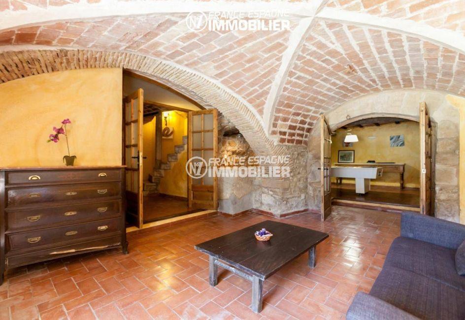 vente villa costa brava, ref.3306, espace détente qui donne accès à la salle de jeux
