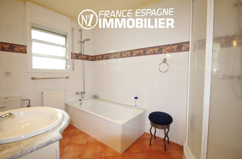 acheter maison espagne costa brava: ref.730, salle de bains de la suite parentale