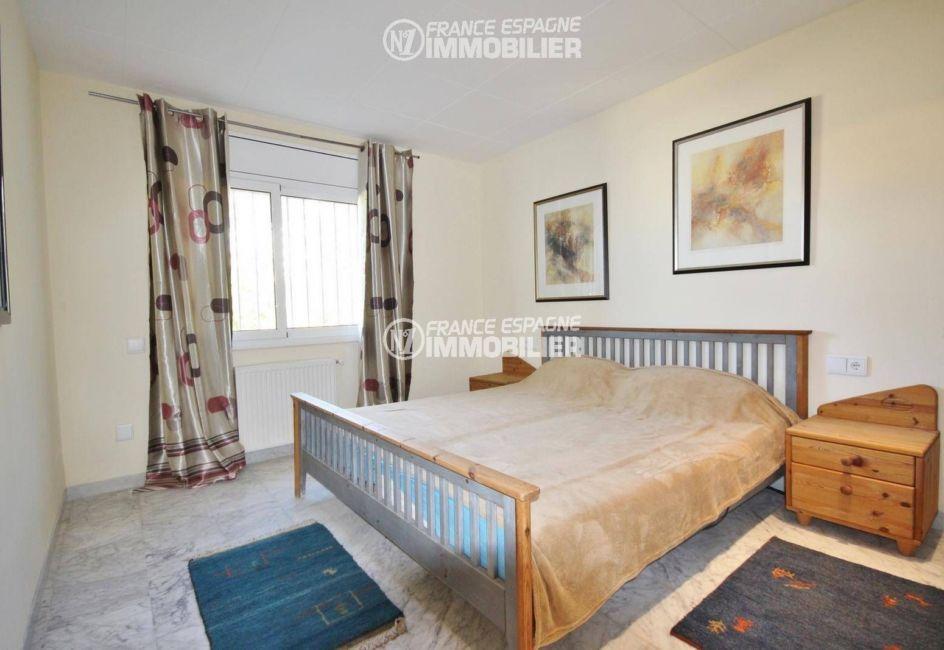 achat maison costa brava, ref.3326, chambre 5 en rez-de-chaussée