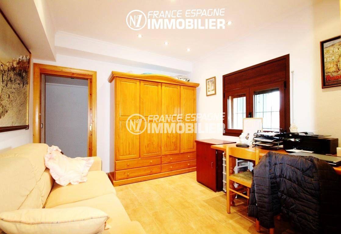 maison a vendre espagne costa brava, ref.2772, espace bureau ou chambre alcôve