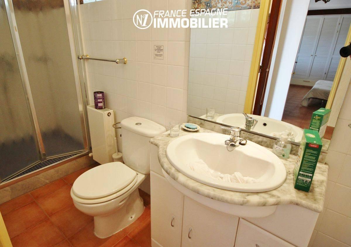 immo center roses: villa ref.730, aperçu de la seconde salle de bains