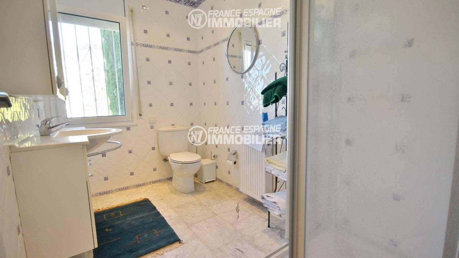 acheter maison costa brava, ref.3326, quatrième salle d'eau en rez-de-chaussée