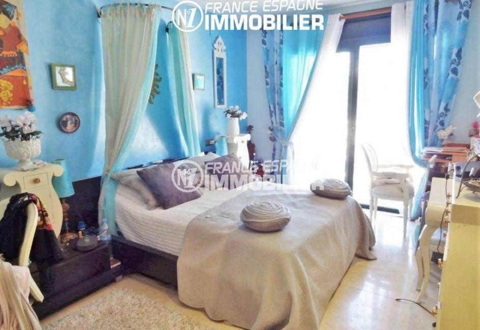 maison à vendre empuriabrava, piscine, suite parentale avec lit double accès terrasse