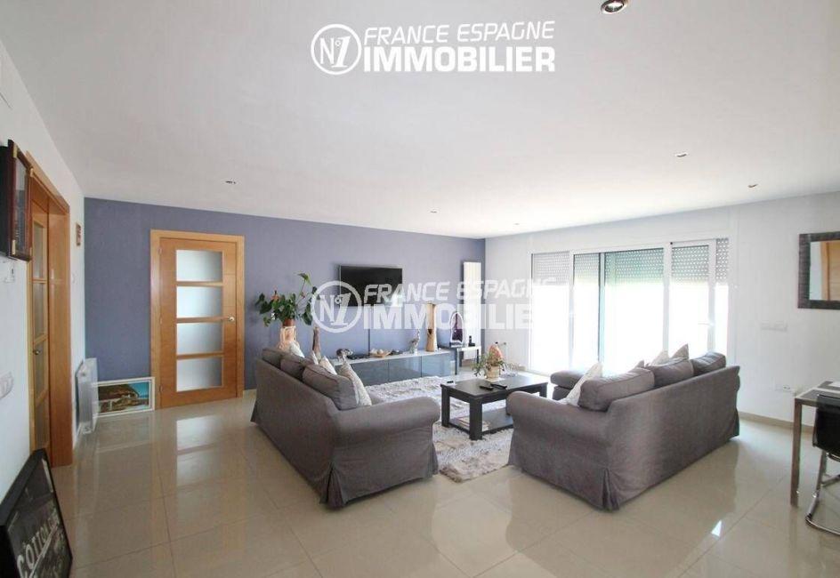 agence immobilière costa brava: villa ref.2435, salon / salle à manger accès terrasse