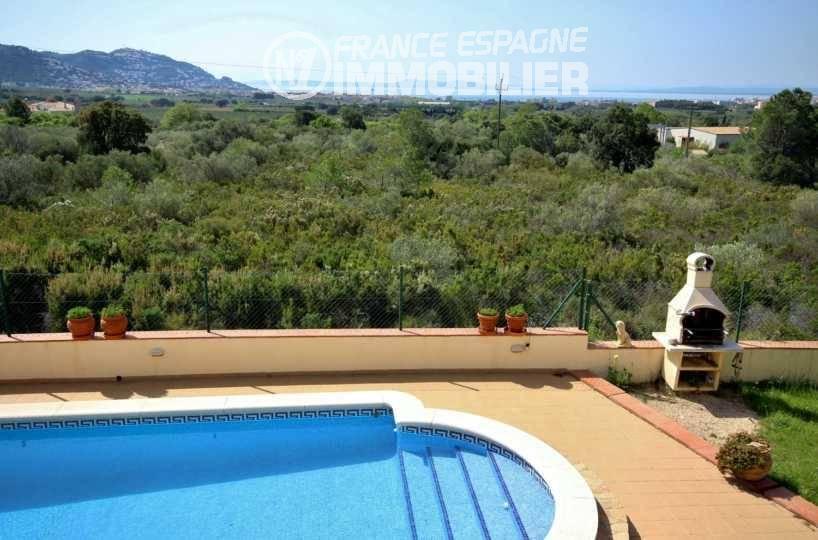 vente maison costa brava, 283 m² terrain 595 m² avec piscine, coin BBQ, vue mer