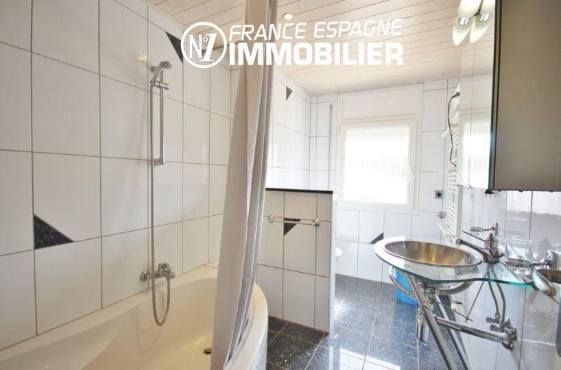 acheter maison costa brava, ref.911, première salle de bains (1° villa)