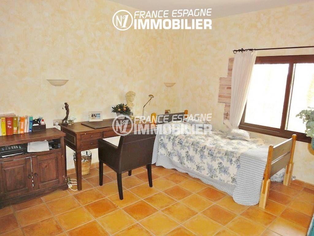 costabrava immo: villa ref.936, quatrième chambre avec lit simple et rangements