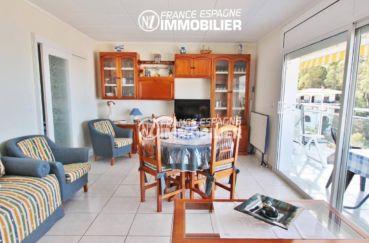 vente appartement rosas, 80 m², salon / séjour avec accès sur la terrasse