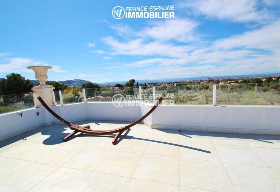 immo center roses: vente villa 202 m² sur la costa brava, avec piscine et vue mer