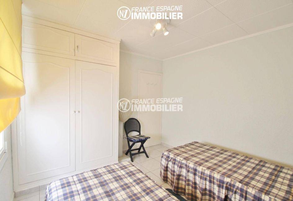 acheter appartement rosas, garage, deuxième chambre avec placards intégrés