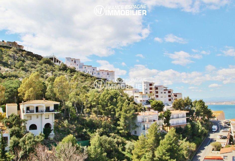 la costa brava: appartement 80 m², aperçu du voisinage depuis la terrasse