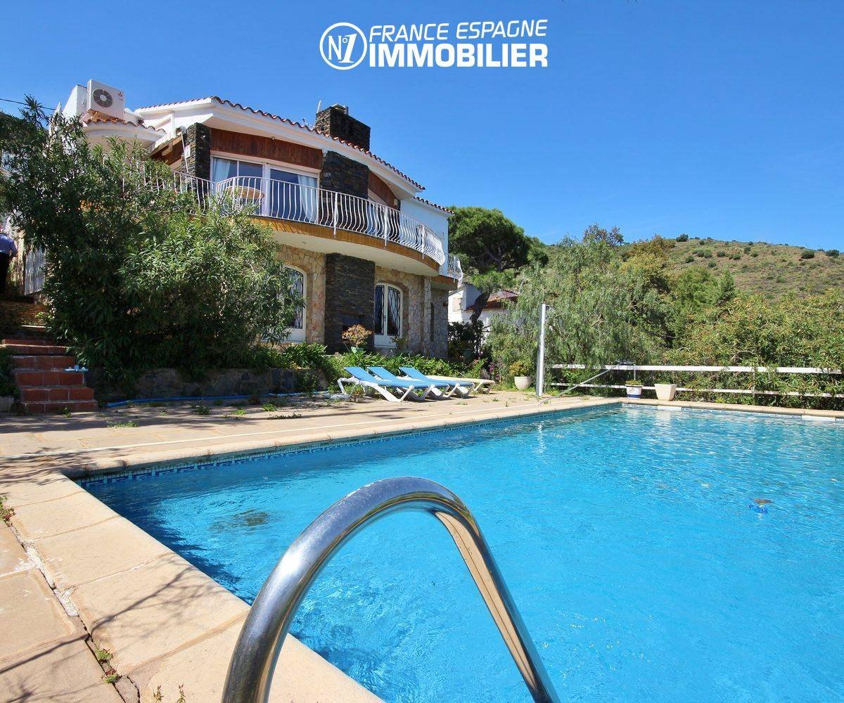 agence immobiliere llanca: vente villa 152 m², piscine, vue mer proche plage