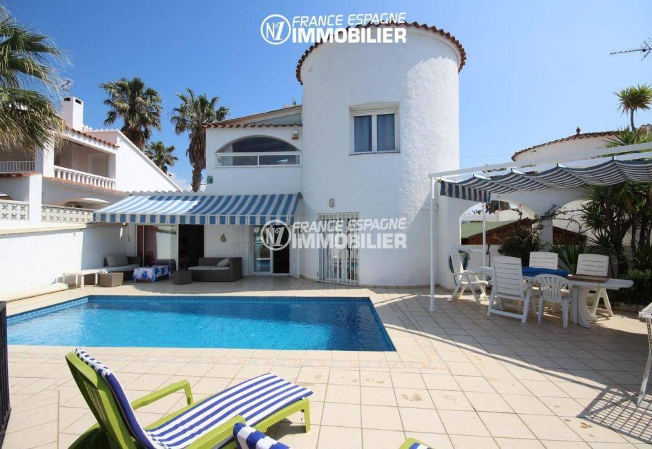 immobilier empuria brava: villa standing vue canal, amarre & piscine