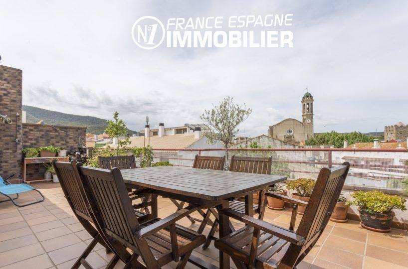 agence immobiliere llanca, appartement atico à vendre 4 chambres, grande terrasse