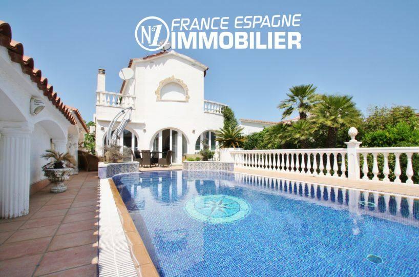 immo empuriabrava: villa sur marina - vue sur la piscine