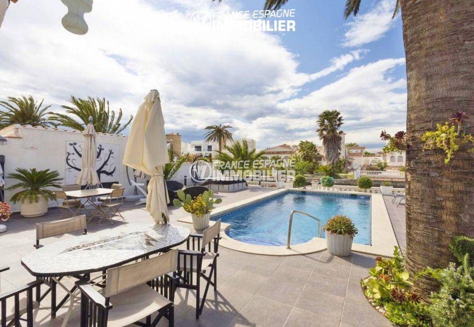 immobilier empuria brava: villa ref.3405, terrain 480 m² avec piscine et vue canal