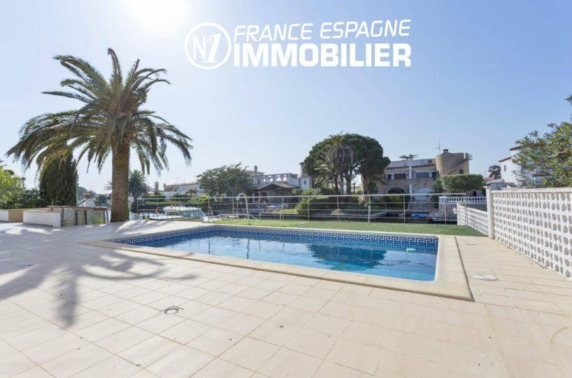 maison a vendre empuriabrava, avec amarre - vue sur la piscine