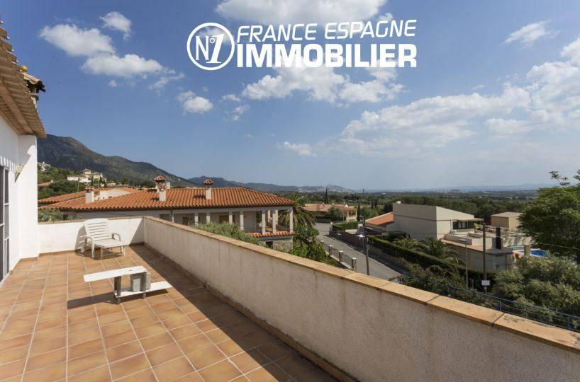 villa ref.3411, vue depuis la terrasse à l'étage