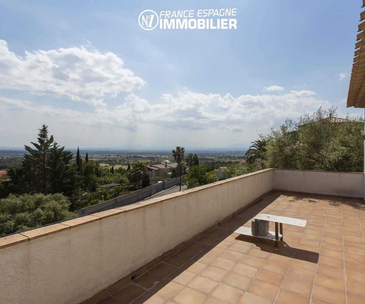 villa ref.3411 sur la costa brava, grande terrasse vue dégagée sur les montagnes et la mer
