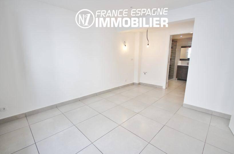 maison a vendre espagne, ref.3393, espace à aménager avec salle d'eau adjacente