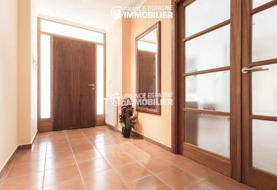 costabrava immo: villa ref.3415, vue sur la porte et hall d'entrée